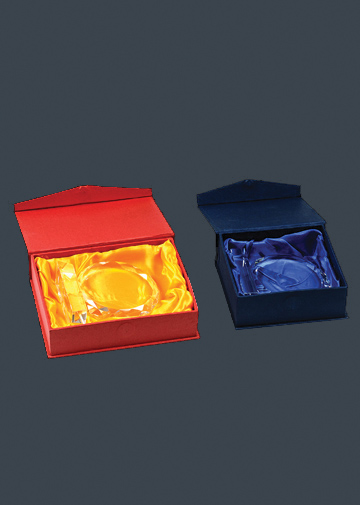大红和蓝色盒